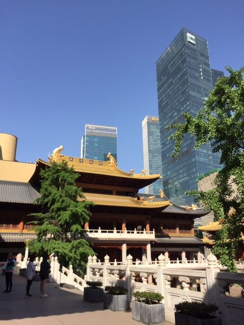 tempio Jing'an tra i grattacieli